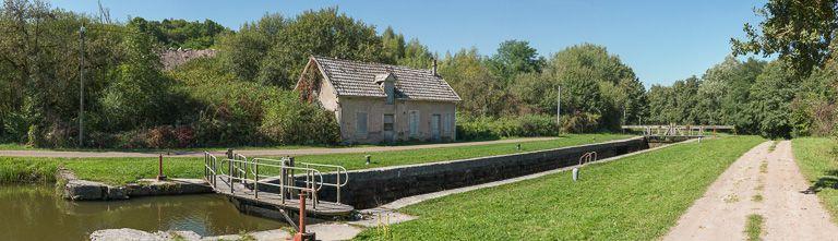 site de l'écluse 22 du versant Seine, dite de Surpalis (canal du Nivernais)