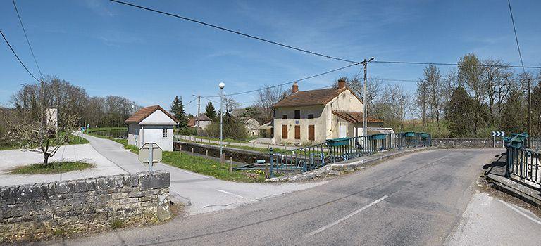 Site de l'écluse 26 du versant Méditerranée, dite de Rully ; site d'écluse XXXV (canal du Centre)