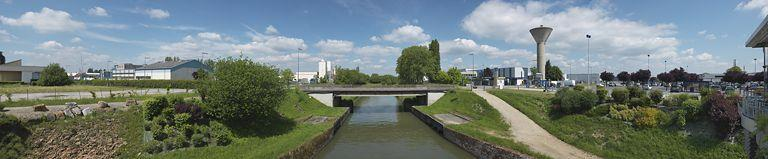 ensemble industriel ; ensemble artisanal commercial ou tertiaire du bief 34 bis (activités liées au canal du Centre)
