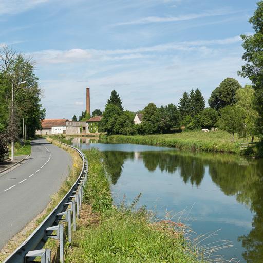 forge ; usine de céramique ; usine de poterie ; briqueterie ; usine Bordelais (activités liées au canal du Centre)