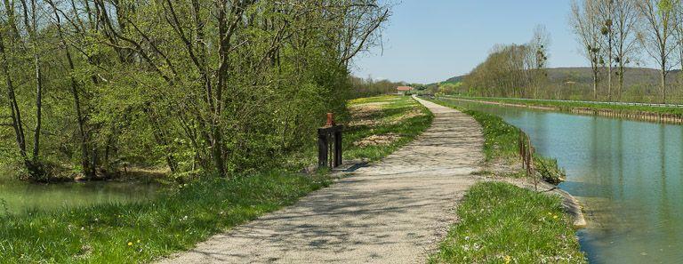 déversoir de fond (canal de Bourgogne)