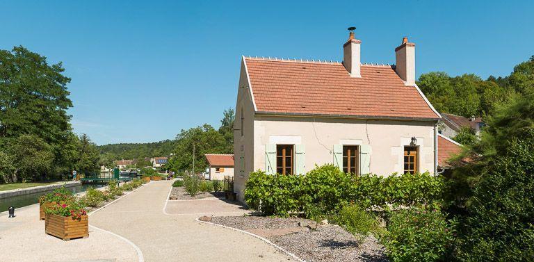 site de l'écluse 63, dite de Mailly-la-Ville (canal du Nivernais)
