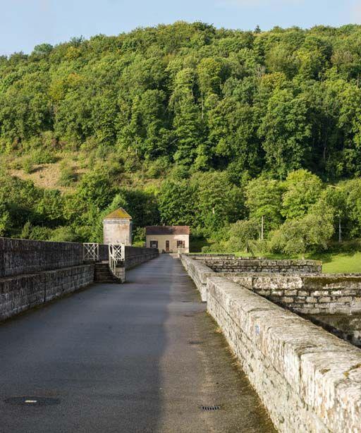 Maison de garde du réservoir de Grosbois (canal de Bourgogne)