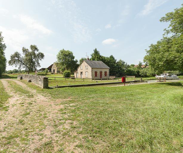 Site de l'écluse 19 du versant Loire, dite de Villars (canal du Nivernais)