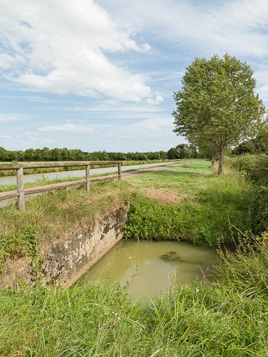 aqueduc de la Seigne (canal du Nivernais)