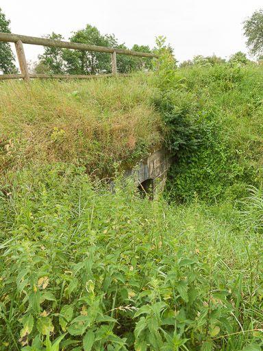 aqueduc d'Isenay ; déversoir de fond ; déversoir de superficie (canal du Nivernais)