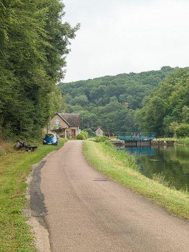site de l'écluse 10 du versant Seine, dite du Patureau Velain (canal du Nivernais)