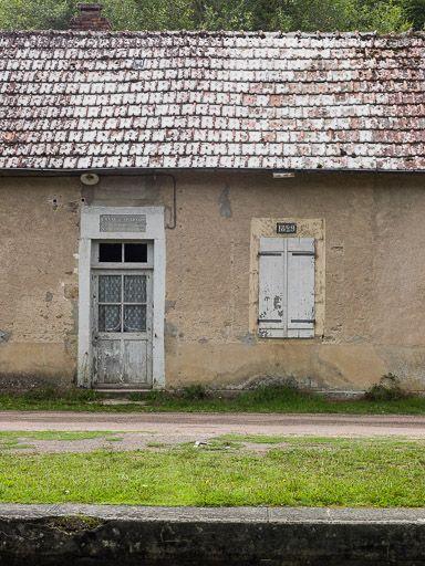 site de l'écluse 19 du versant Seine, dite de la Petite Corvée (canal du Nivernais)