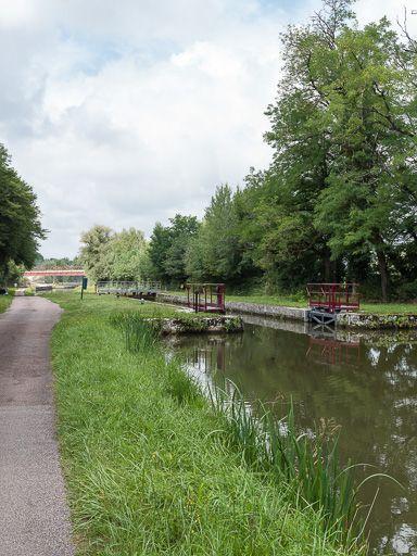 site de l'écluse 20 du versant Seine, dite du Bois des Taureaux (canal du Nivernais)