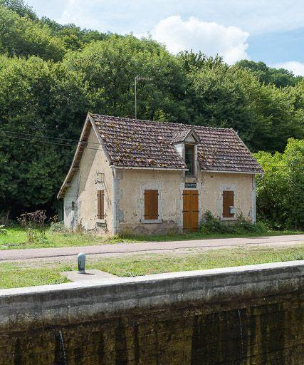 site de l'écluse 23 du versant Seine, dite du Pré Colas (canal du Nivernais)