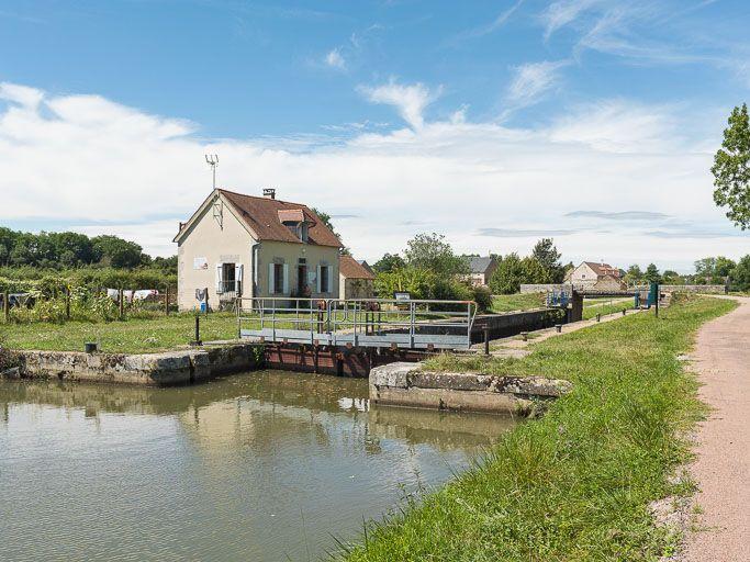 Site de l'écluse 33 du versant Seine, dite de Mont (canal du Nivernais)