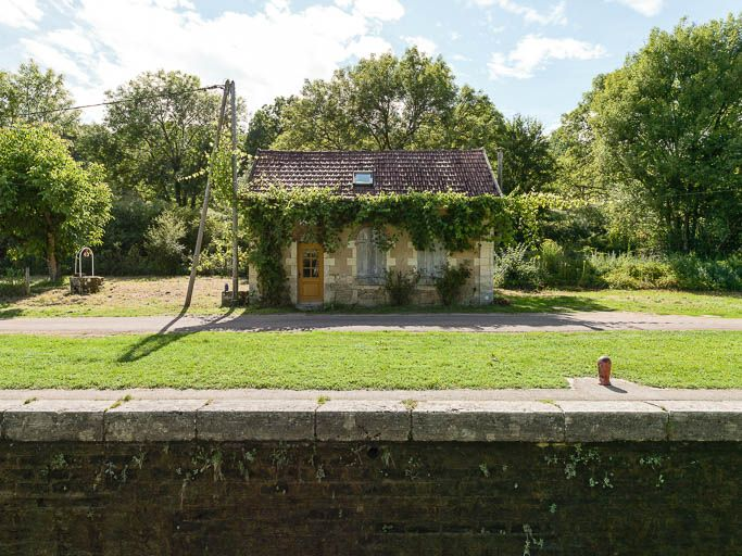 site de l'écluse 37 du versant Seine, dite du Moulin-Brûlé (canal du Nivernais)