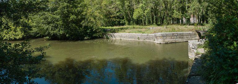 barrage d'Armes ; pertuis d'Armes (canal du Nivernais)