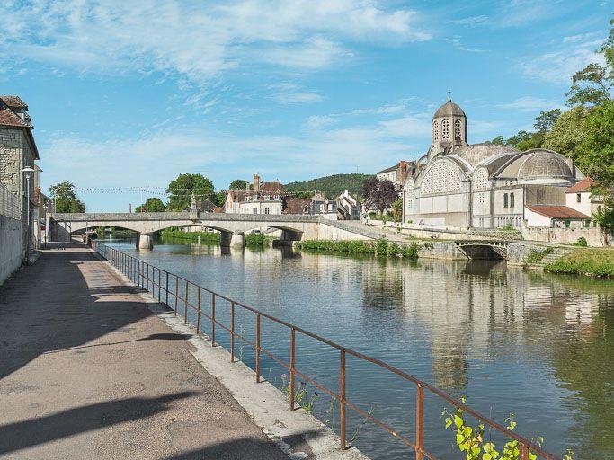 pont routier isolé, dit de Bethléem (canal du Nivernais)