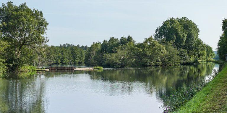 barrage à aiguilles, dit Pertuis du Bouchet (canal du Nivernais)