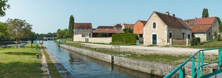 site de l'écluse 71, dite du Maunoir (canal du Nivernais)