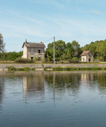 écluse de garde de Vermenton (canal du Nivernais)