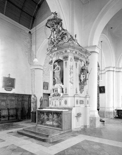 Autel secondaire de la Sainte Croix (autel, groupe sculpté, retable)