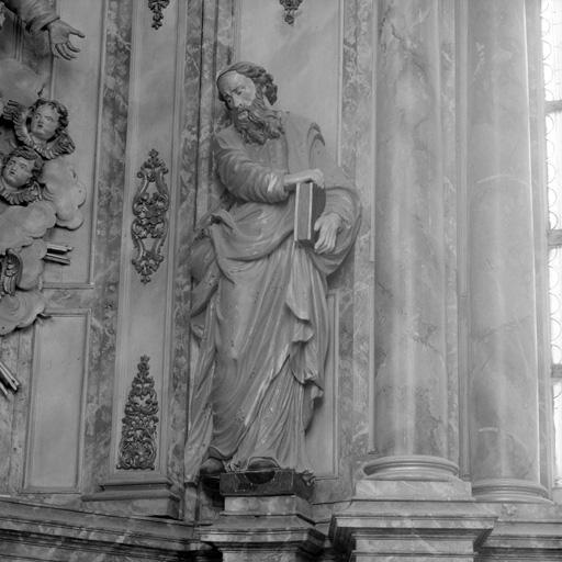 Statue (grandeur nature) : Saint Barthélemy ?