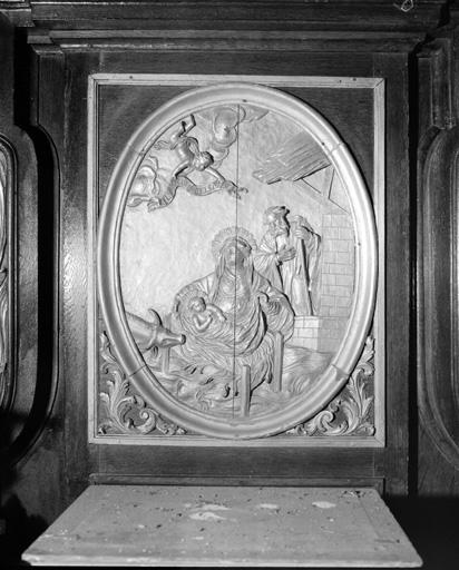 3 reliefs : L'Annonciation, La Nativité, L'Adoration des Mages