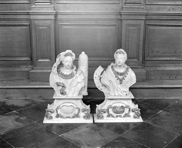 2 bustes (en pendant) : Sainte Barbe, Sainte Catherine d'Alexandrie