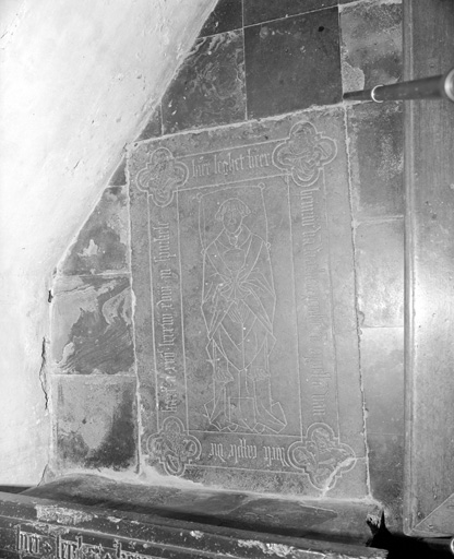 Dalle funéraire de Henri de Warhem