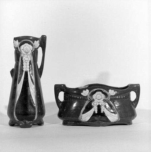 2 vases décoratifs, style art nouveau