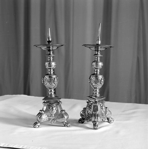 paire de chandeliers d'autel No 1