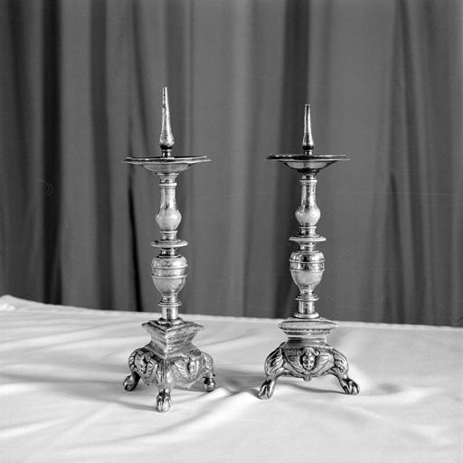 paire de chandeliers d'autel No 2