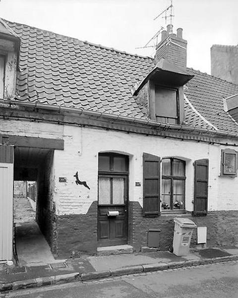 Série de 3 maisons ; Ensemble d'édifices à cour commune (maisons en série), dit courée