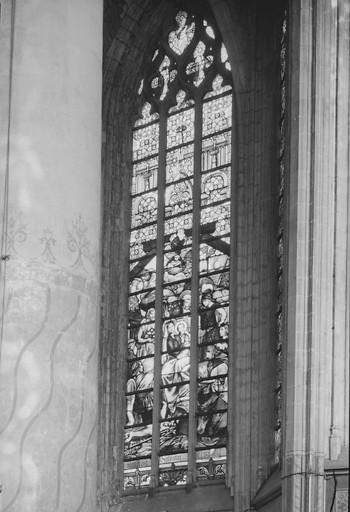 Verrière de style néo-gothique : l'Adoration des bergers (baie 5)