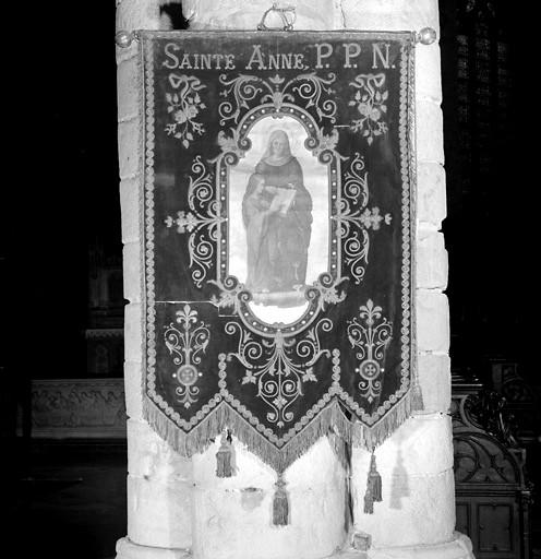 Bannière de procession de sainte Anne