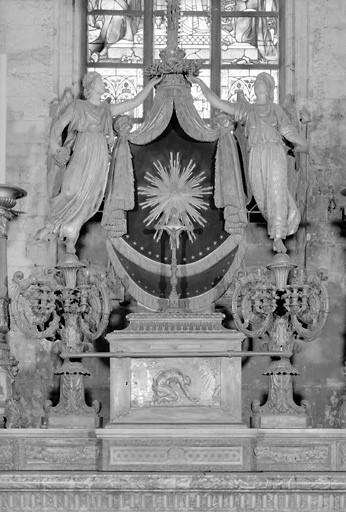 Exposition (ensemble du maître-autel)
