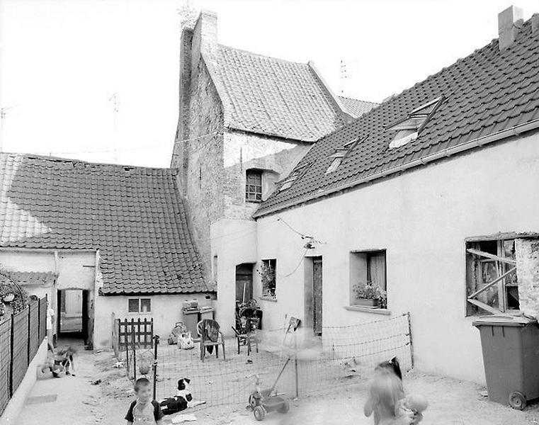 Ensemble d'édifices à cour commune (maisons en série) , dit courée