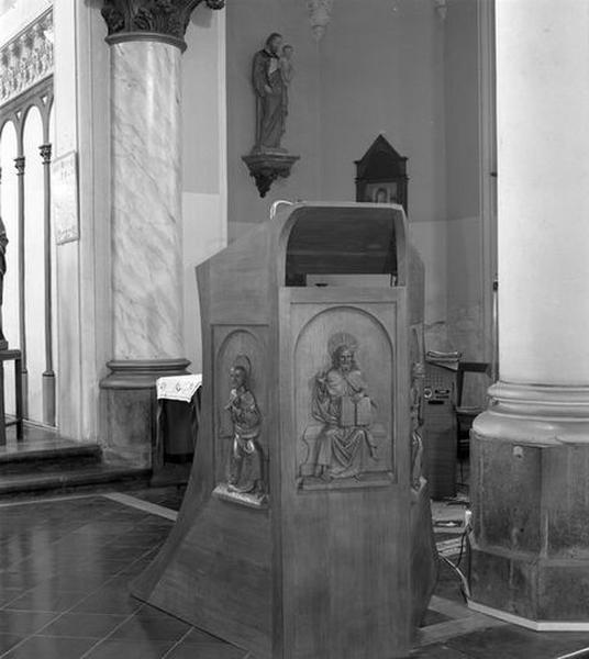 Chaire à prêcher; ambon