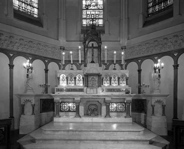 maître-autel (autel table)