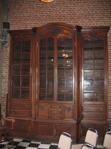 Armoire-bibliothèque vitrée