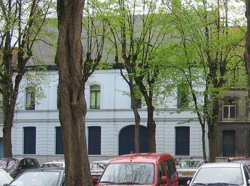 Maison, puis maison de chanoine de la collégiale Notre-Dame, puis bailliage, puis maison de notaire
