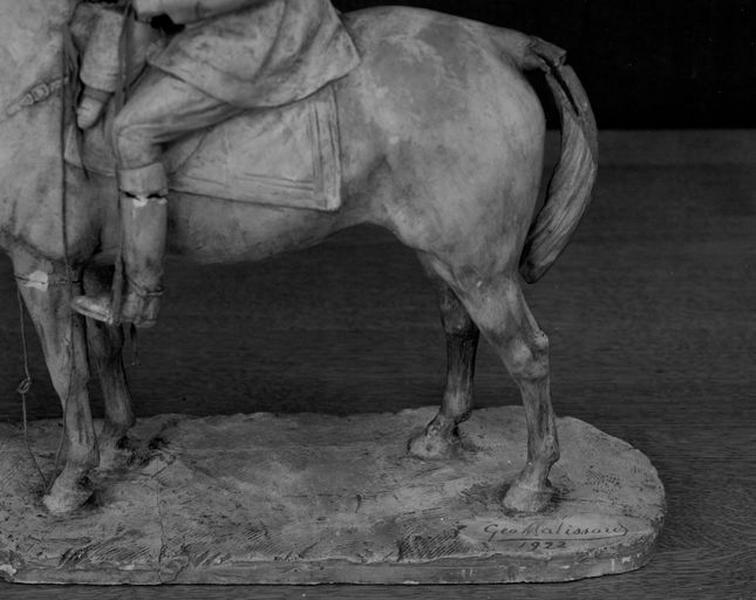Statue (statue équestre ; statuette) : portrait équestre du roi des Belges Albert 1er