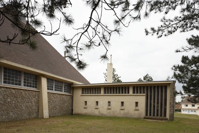 Eglise paroissiale Sainte-Thérèse-de-l'Enfant-Jésus