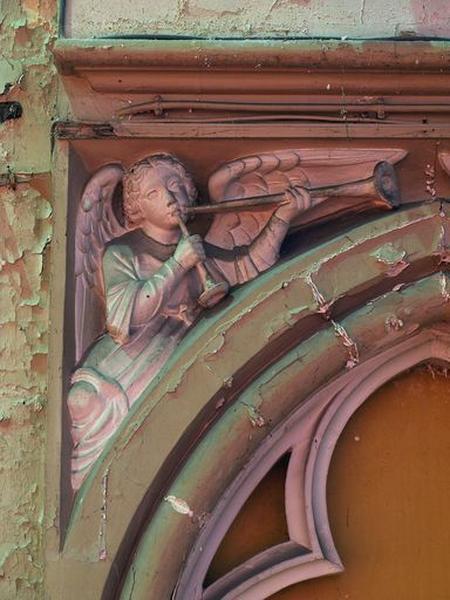 Ensemble de reliefs : anges (écoinçons sculptés du chœur)