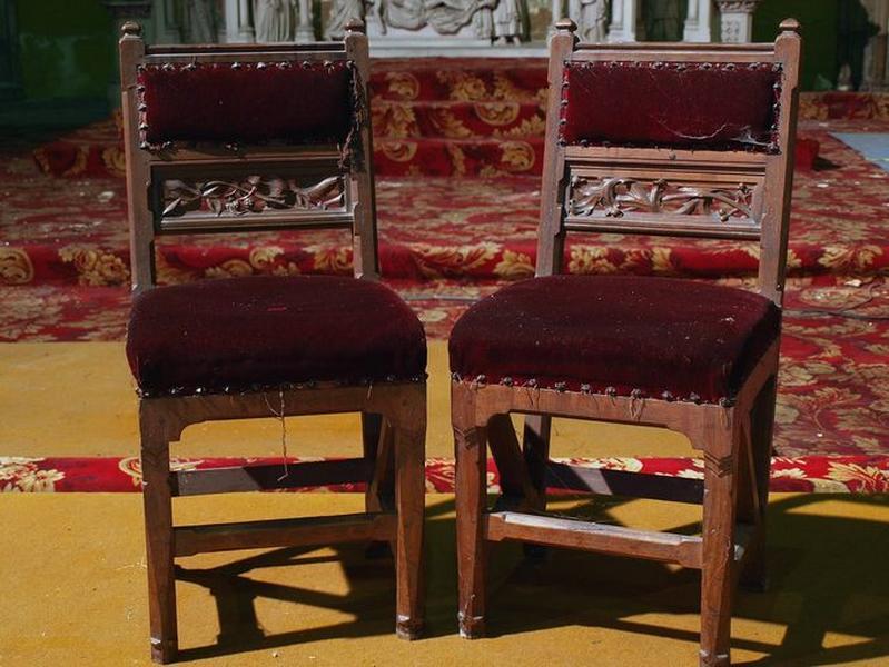Ensemble de 2 chaises de célébrant