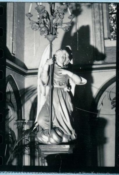 Ensemble de 2 statues-chandeliers d'église : Anges porte-luminaires (anges céroféraires)