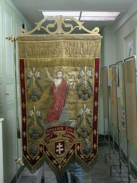 Bannière de procession de la paroisse du Saint-Sépulcre (le Christ ressuscité)