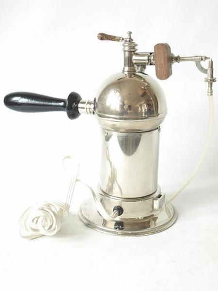 Instrument scientifique (machine à brumiser) : dite Lucas-Championnière, aseptiseur par vapeur, brumisateur