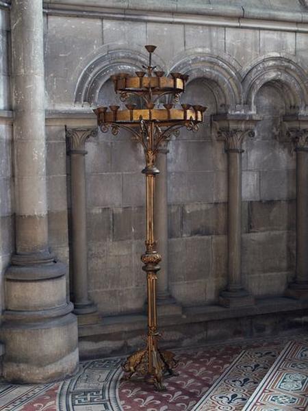 Ensemble de deux chandeliers (porte-cierges)