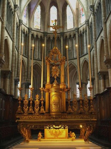 Ensemble : tabernacle, gradin d'autel, exposition, croix d'autel du maître-autel