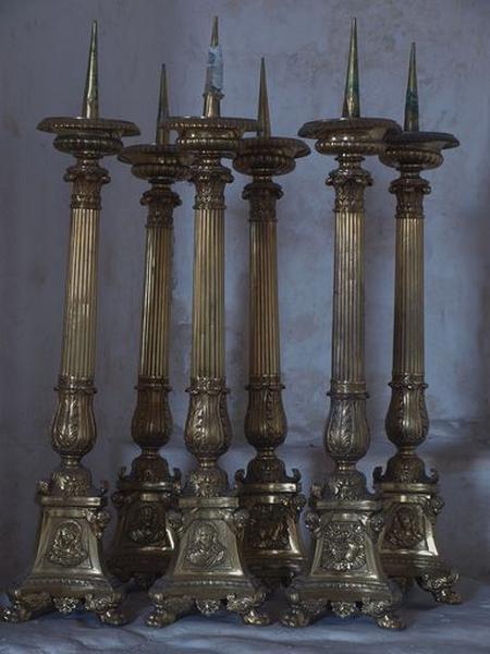 Ensemble de 6 chandeliers d'église