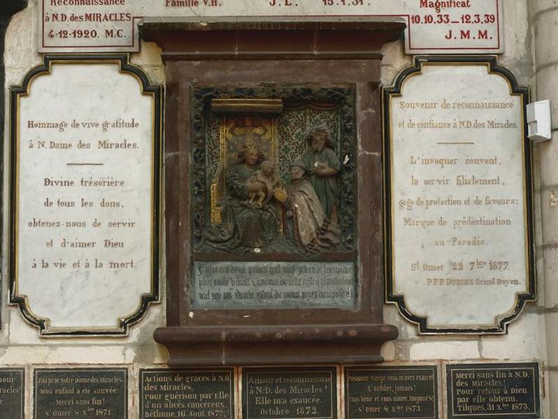 Ensemble de 4 plaques commémoratives ex-votos : Reconnaissance à Notre-Dame-des-Miracles