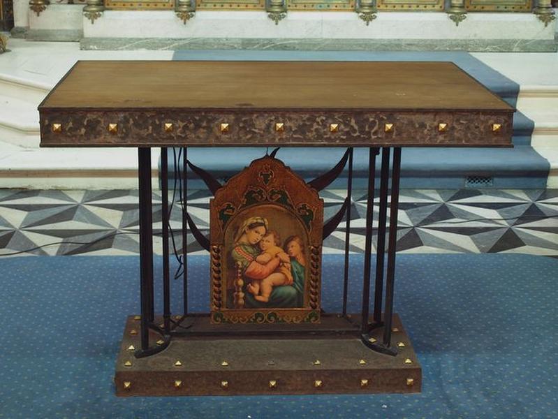 Autel avancé de la chapelle de Notre-Dame-des-Miracles